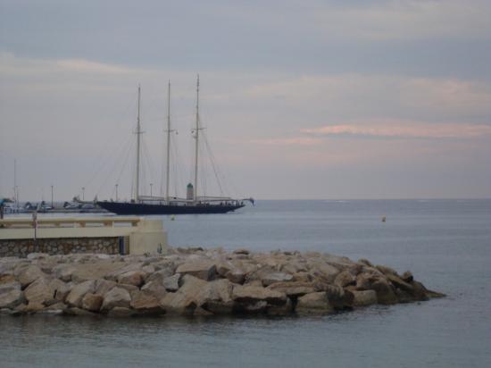 Les bateaux en partance vers de lointains horizons
