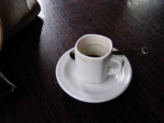 Les  cafés pris en terrasse en écoutant les autres
